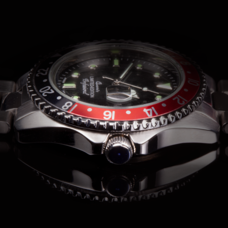 AWC-Silver---red-and-black-case---black-Dial---lumi-index